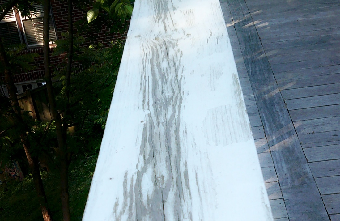 Picture of a peeling railing